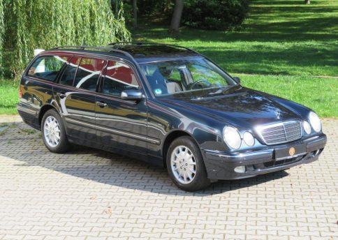 Mercedes Benz E320 T, W210