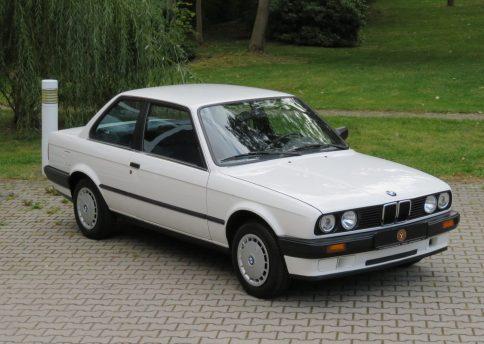 BMW 316i, E30