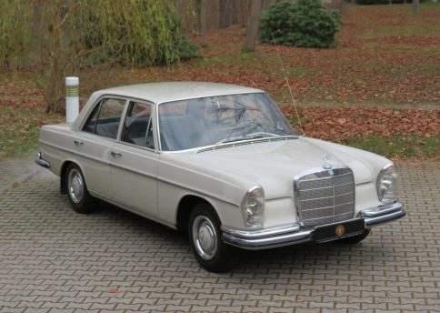 Mercedes Benz 250S, W108