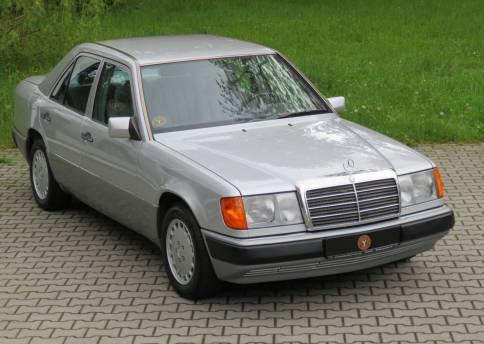 Mercedes Benz 260E, W124