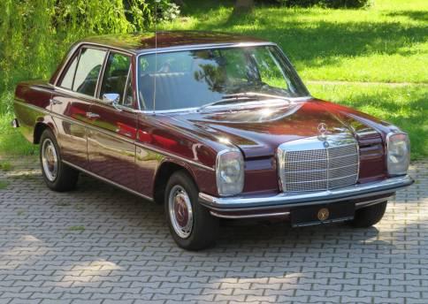 Mercedes Benz 200, W115