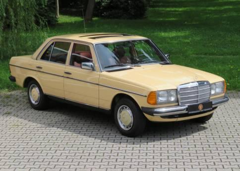 Mercedes Benz 200, W123