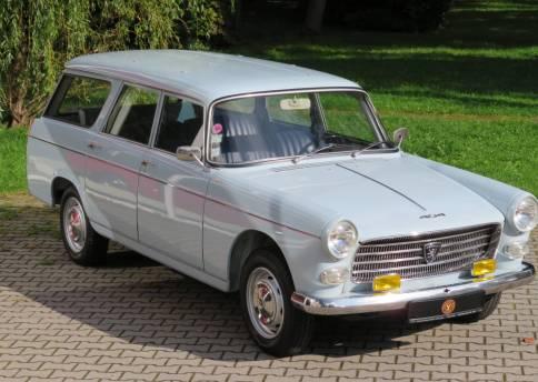 Peugeot 404L Familiale