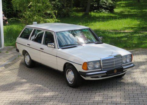 Mercedes Benz 240TD, W123