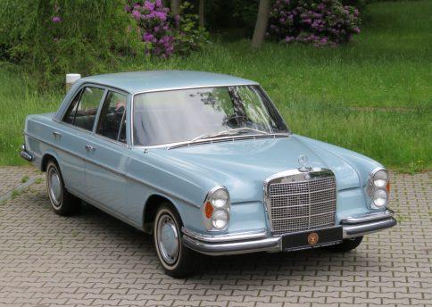 Mercedes Benz 280SE, W108