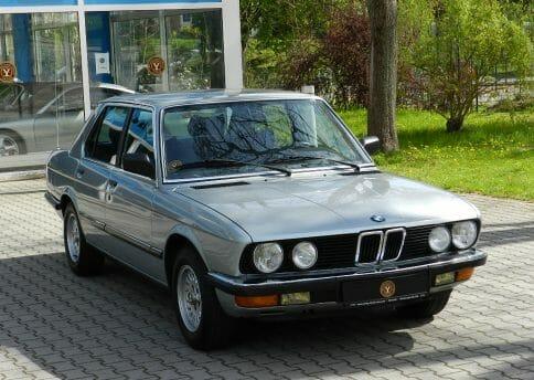 BMW E28, 528i