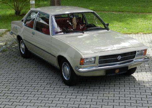 Opel Rekord 1900S